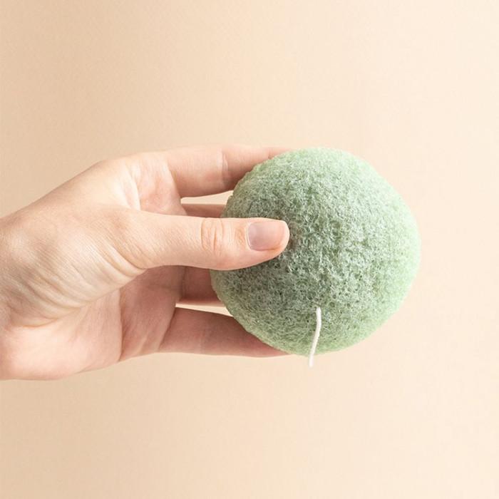 Eponge de Konjac Argile verte et Thé vert - présentation - aromandise